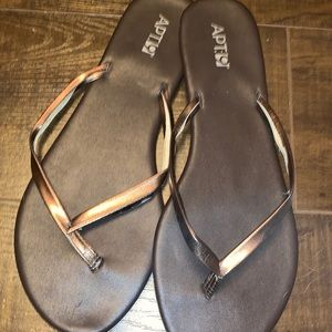 Apt 9 Brown and Gold Sandals